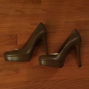 Gucci Brown Leather Platform Pumps 37
